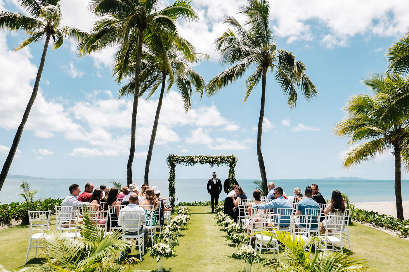 denarau-beachfront-wedding